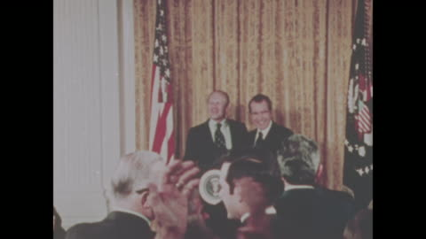 president richard nixon and gerald ford stand together after nixon's announcement that ford was his choice for vice president, replacing spiro agnew. - richard nixon bildbanksvideor och videomaterial från bakom kulisserna
