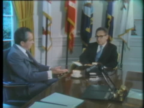 president richard nixon comments on u.s. involvement in the yom kippur war. - ヨムキプール点の映像素材/bロール