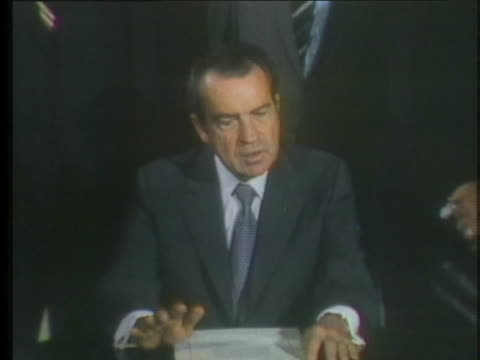 vídeos y material grabado en eventos de stock de president richard nixon explains the us-soviet arms agreement as the beginning of a process which can reduce the danger of war, and then signs a... - (war or terrorism or election or government or illness or news event or speech or politics or politician or conflict or military or extreme weather or business or economy) and not usa