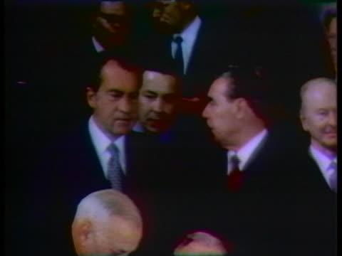 vídeos de stock e filmes b-roll de president richard nixon speaks with leonid brezhnev, general secretary of the soviet communist party, during nixon's visit to moscow. - leonid brezhnev