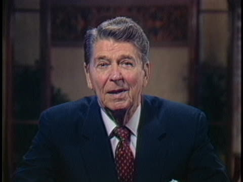 vídeos y material grabado en eventos de stock de president ronald reagan talks about the transformation of the world and world economies focusing on technology. - business or economy or employment and labor or financial market or finance or agriculture