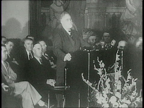 vidéos et rushes de president roosevelt continues his address at the convention of the international teamsters union / fdr says that he wants to prevent war from... - 1940