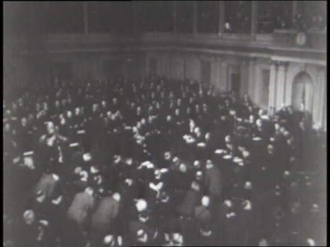 u. s. president roosevelt signs a new wage bill; social security goes into effect. - 社会保障点の映像素材/bロール