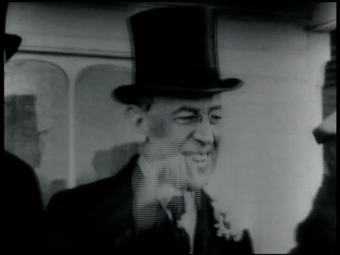 president woodrow wilson smiling taking off top hat standing next to first lady edith - 1910 1919 stock videos & royalty-free footage