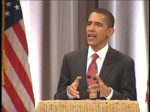 us presidential candidate barack obama speaks on economics while campaigning in new york - business or economy or employment and labor or financial market or finance or agriculture stock-videos und b-roll-filmmaterial