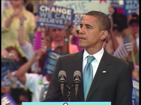 presidential candidate barack obama talks about america's future at a rally in saint paul, minnesota. - united states and (politics or government) stock videos & royalty-free footage