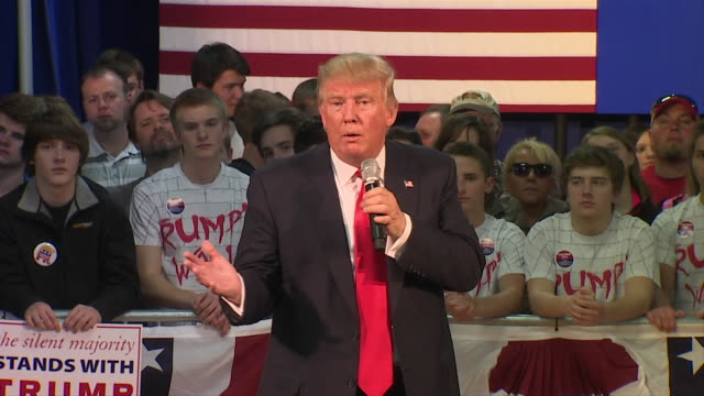 """presidential candidate, donald trump in wausau wisconsin, """"so i would say to japan, you've got to help us out. we want to help you. and i would... - 2016 stock-videos und b-roll-filmmaterial"""