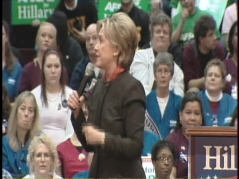 vídeos y material grabado en eventos de stock de presidential candidate hilary clinton addresses health care professionals at the tacoma nurses rally in tacoma, washington. - healthcare and medicine or illness or food and drink or fitness or exercise or wellbeing