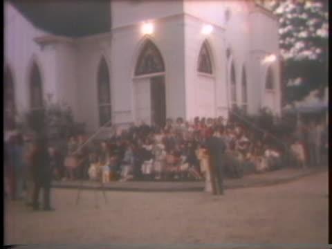 presidential candidate jimmy carter attends a sunrise service and sunday school at his baptist church in plains, georgia. - baptist bildbanksvideor och videomaterial från bakom kulisserna