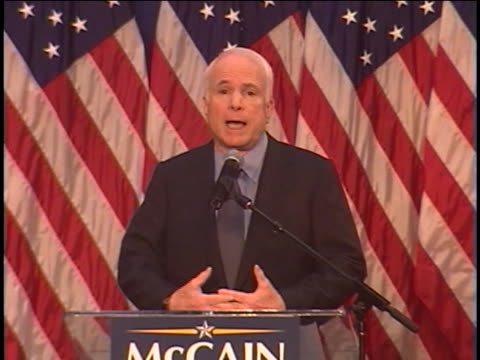 vídeos y material grabado en eventos de stock de presidential candidate john mccain campaigns in columbus, ohio. - (war or terrorism or election or government or illness or news event or speech or politics or politician or conflict or military or extreme weather or business or economy) and not usa