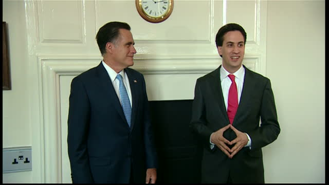 s presidential candidate mitt romney admitted he made mistakes as an olympics organiser and says he's pleased to see potential problems leading up to... - フォトコール点の映像素材/bロール