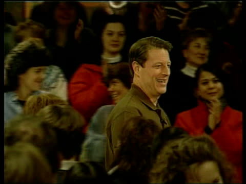 vídeos de stock, filmes e b-roll de itn usa new hampshire al gore meeting supporters at rally al gore speaking at rally sot to those of you who are undecided in this new hampshire... - gore