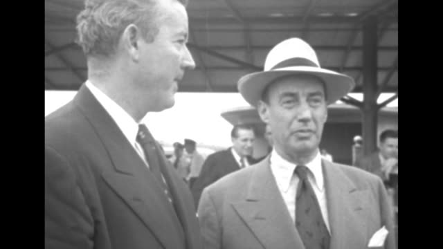 1952 presidential election / cu democratic presidential candidate illinois governor adlai stevenson and vice presidential candidate alabama senator... - adlai stevenson ii stock videos and b-roll footage