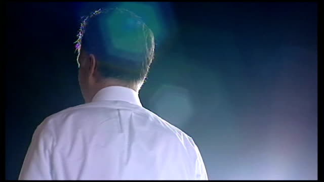 vídeos y material grabado en eventos de stock de presidential election: mitt romney campaigning in ohio; usa: ext **music heard sot** mitt romney waving at rally ends - usa