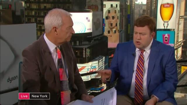 vídeos de stock, filmes e b-roll de presidential election: polling day: commentary and interviews; usa: new york: manhattan: ext frank luntz studio interview sot/ graydon carter studio... - graydon carter