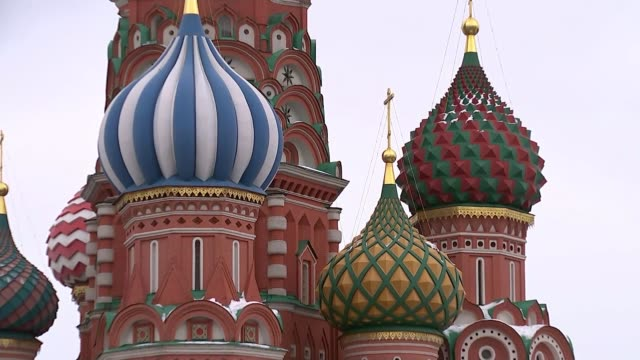 Worldwide interest RUSSIAN FEDERATION Moscow Red Square GVs St Basil's Cathedral INT Vox pops