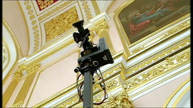 dmitry medvedev profile russia moscow int **flash photography throughout** dmitri medvedev and vladimir putin into kremlin meeting room vladimir... - wladimir putin stock-videos und b-roll-filmmaterial