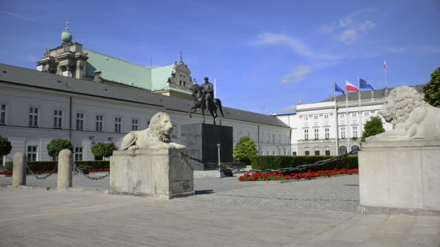 presidential palace in warsaw - warsaw stock videos & royalty-free footage