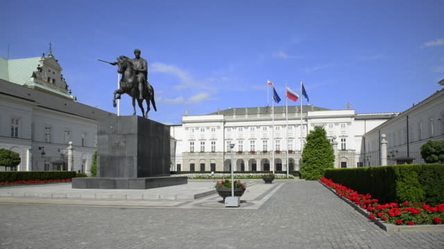 presidential palace in warsaw - male likeness stock videos & royalty-free footage