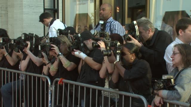 vídeos de stock, filmes e b-roll de press at the metropolitan opera season opens with a starstudded red carpet at lincoln center in new york new york on september 24 2007 - metropolitan opera house