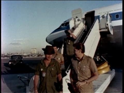 press conference for wayne newton in military clothes arrives with his brothers in an airplane direct from viet nam to visit and shows devotion to... - wayne newton stock videos & royalty-free footage