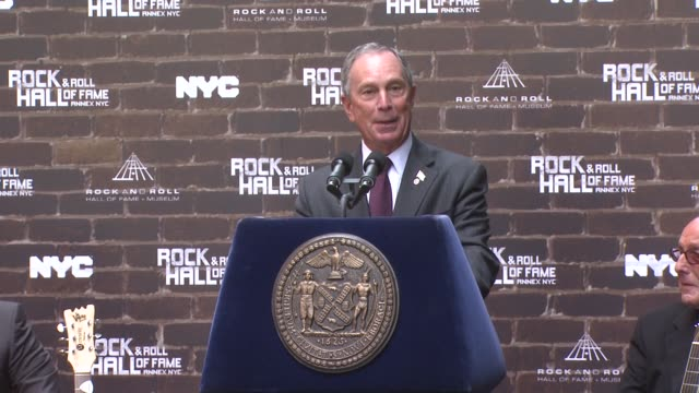 stockvideo's en b-roll-footage met mayor bloomberg to introduce billy joel and the expansion of the rock and roll hall of fame brand within new york at the rock and roll hall of fame... - billy joel