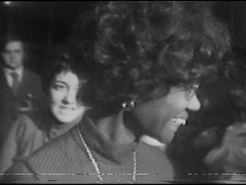 representative shirley chisholm's presidential campaign visit to xerox tower in midtown, rochester, ny december 6, 1971. - afroamerikansk historia i usa bildbanksvideor och videomaterial från bakom kulisserna