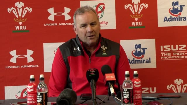 vídeos de stock e filmes b-roll de press conference with new wales coach wayne pivac after he announced the squad to play the barbarians on november 30 pivac has named a 35man squad... - rugby