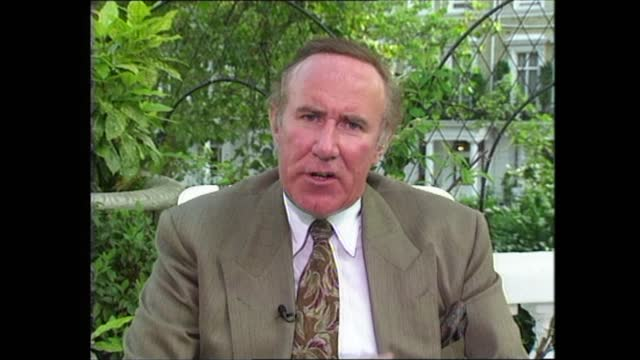 press coverage of royals; c)c4n england: west london: ext cms andrew neil intvwd sof - pcc's comments were not directed specifically at sunday times... - andrew neil bildbanksvideor och videomaterial från bakom kulisserna