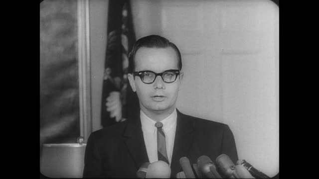 stockvideo's en b-roll-footage met press secretary bill moyers gives speech regarding seven nation summit / 'president johnson has received the invitation from president marcos of the... - geallieerde mogendheden