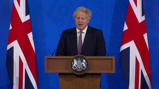 """presser boris johnson pm about coming out of coronavirus lockdown slowly """"it's important we proceed cautiously but hopefully irreversibly"""" - hd format stock videos & royalty-free footage"""