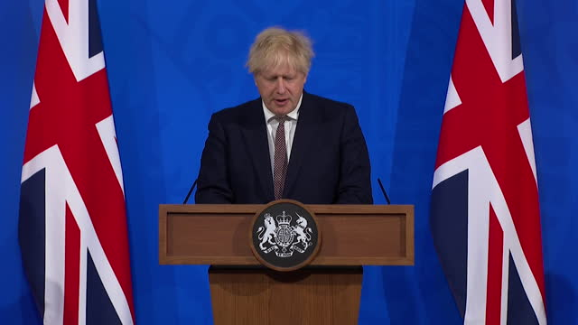 """presser boris johnson pm, about coronavirus lockdown rules cautiously being relaxed on close contact and hugging """"i urge you to think about the... - horizontal stock videos & royalty-free footage"""