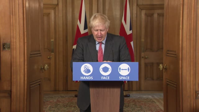 """presser boris johnson pm, speaking about uk rising coronavirus cases """"no matter how impatient we are there is only one way of doing this, and that is... - イングランド南東部点の映像素材/bロール"""