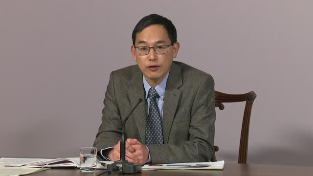 presser professor wei shen lim, joint committee on vaccination and immunisation, about priority of who will receive approved pfizer coronavirus... - geographical locations stock videos & royalty-free footage