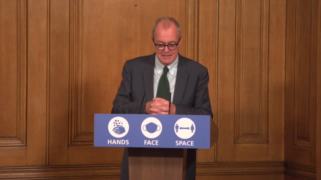 presser sir patrick vallance government's chief scientific adviser about the oxford university and astrazaneca coronavirus vaccince trials being... - advice stock videos & royalty-free footage