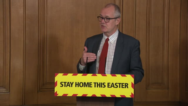 presser sir patrick vallance uk chief scientific adviser about evidence concerning the public wearing face masks in the fight against the coronavirus - cupboard stock videos & royalty-free footage