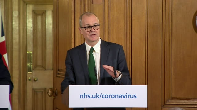 presser sir patrick vallance uk chief scientific adviser at coronavirus update the aim is to supress the curve in order to keep it under nhs capacity - press room stock videos & royalty-free footage