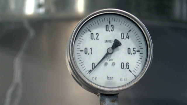 pressure gauge in factory - thermometer stock videos & royalty-free footage
