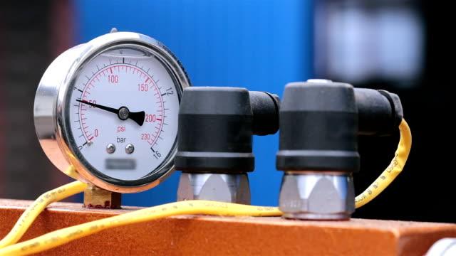 圧力計。 - アナログ点の映像素材/bロール