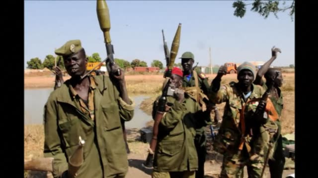 vídeos de stock, filmes e b-roll de pressure mounted on south sudan's warring parties tuesday to reach a ceasefire to end weeks of bitter fighting and atrocities on both sides that have... - sudão