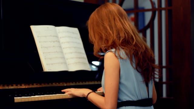 Pretty Woman composing music
