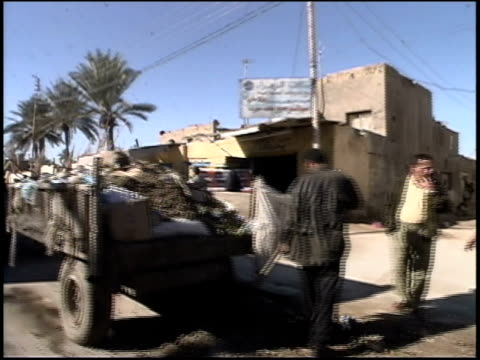 prewar iraq / car pov street and highway scenes / iraq - 2003年点の映像素材/bロール