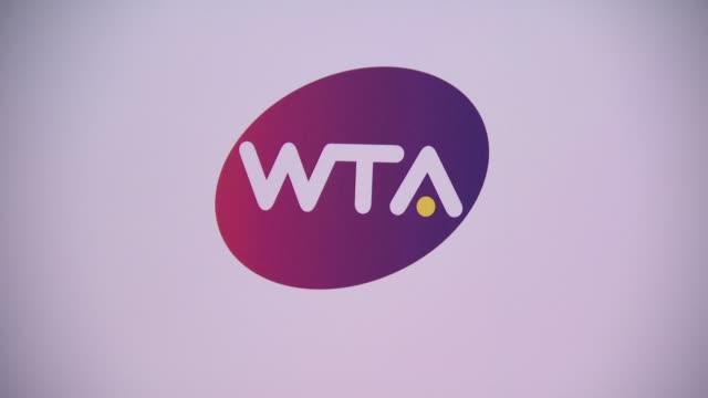 vídeos de stock e filmes b-roll de pre-wimbledon party presented by dubai duty free at kensington roof gardens on june 19, 2014 in london, england. - tennis dubai