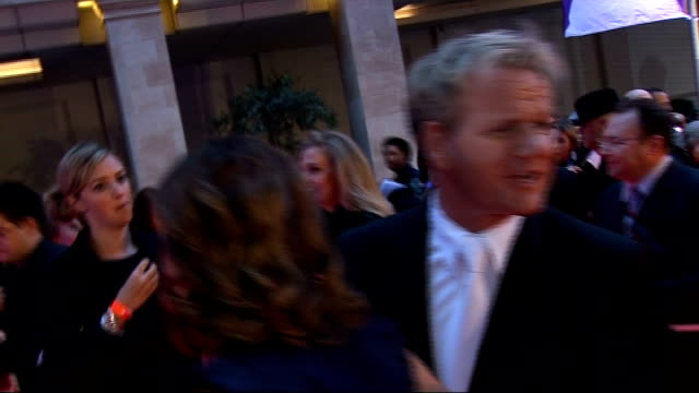 arrivals and backstage interviews gordon ramsay tv chef with his wife tana ramsay speaking to press on red carpet sot/ arlene phillips speaking to... - verne troyer stock videos & royalty-free footage