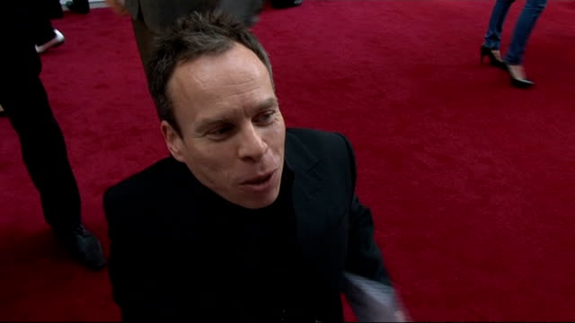 red carpet arrivals and interviews warwick davis interview sot on his upcoming sitcom 'life's too short' / dressing up as a frog / having fun filming... - oliver phelps stock videos & royalty-free footage