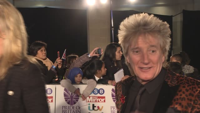 pride of britain awards 2017: red carpet interviews; rod stewart and penny lancaster gvs / theresa may mp along red carpet with philip may / prince... - rod stewart stock-videos und b-roll-filmmaterial