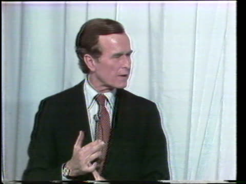 primary debate sponsored by the league of woman voters between ronald reagan and george w h bush moderated by howard k smith / bush and reagan... - vorwahl stock-videos und b-roll-filmmaterial