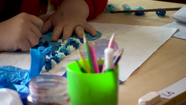 primary school students partaking in arts and crafts - elementary school stock videos & royalty-free footage
