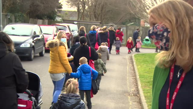primary schoolchildren arrive at school for their first day back after coronavirus lockdown - primary school child stock videos & royalty-free footage
