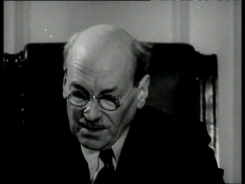prime minister clement attlee states his confidence that india pakistan burma and ceylon will resist communism jan 53 - 歴史点の映像素材/bロール